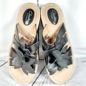 Clarks Artisan Black Beige Strappy Slide Sandals